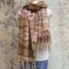 Sjaals van polyester in prachtige kleurstellingen. Aan twee kanten draagbaar. Groot en warm, ook geschikt als omslagdoek of dekentje.