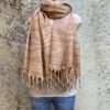 Wollen dames sjaals in prachtige kleurstellingen. Aan twee kanten draagbaar. Groot en warm, ook geschikt als omslagdoek of dekentje.